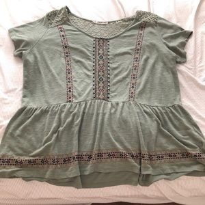 Maurices Plus size 3 Olive green top